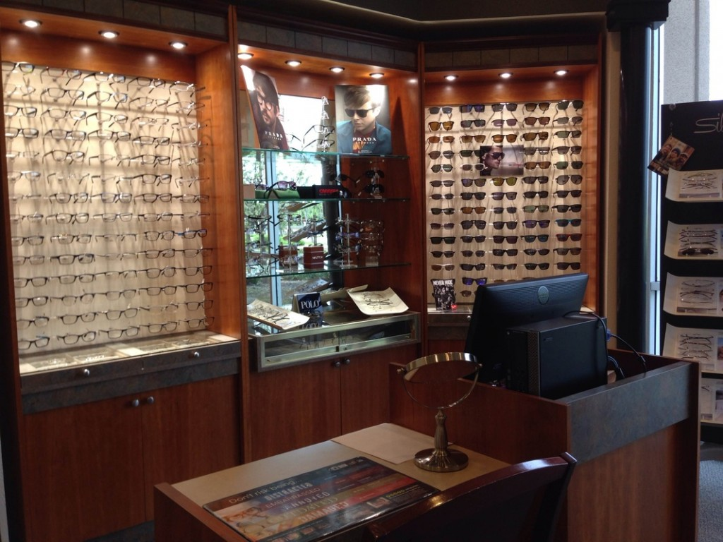 About Eaton Optometric Group In Tracy Ca
